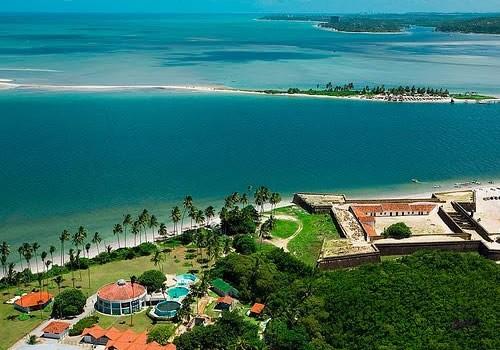 Ilha de Itamaracá e Ilhota Coroa do Avião.      Fonte: www.litoral-praia.com